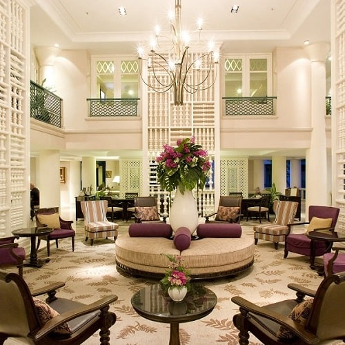 جاروبرقی نظافت هتل